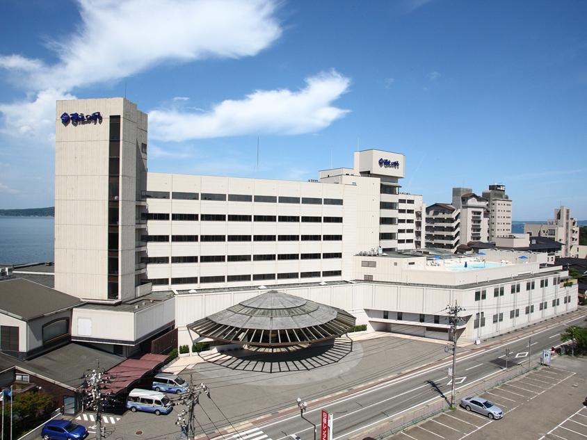 第43回『プロが選ぶ日本のホテル・旅館100選』において、姉妹館 加賀屋が総合第一位に選ばれました。
